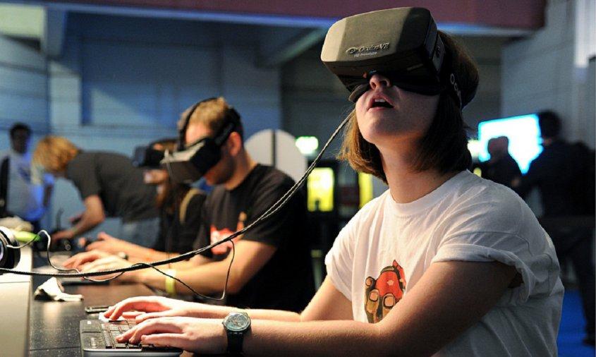 Virtual reality facebook