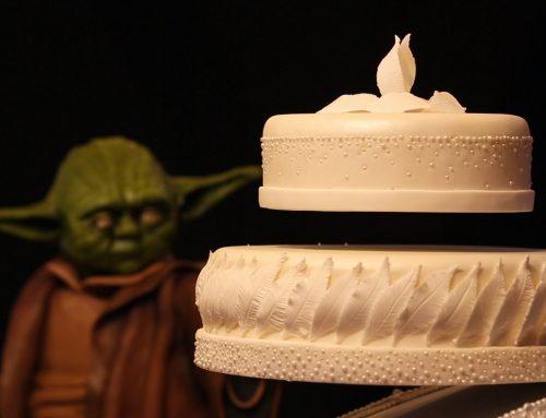 Yoda hace levitar una tarta
