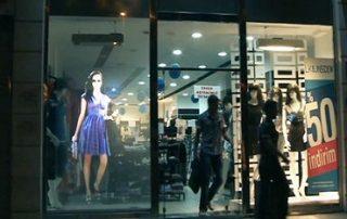 shops-holo-screen