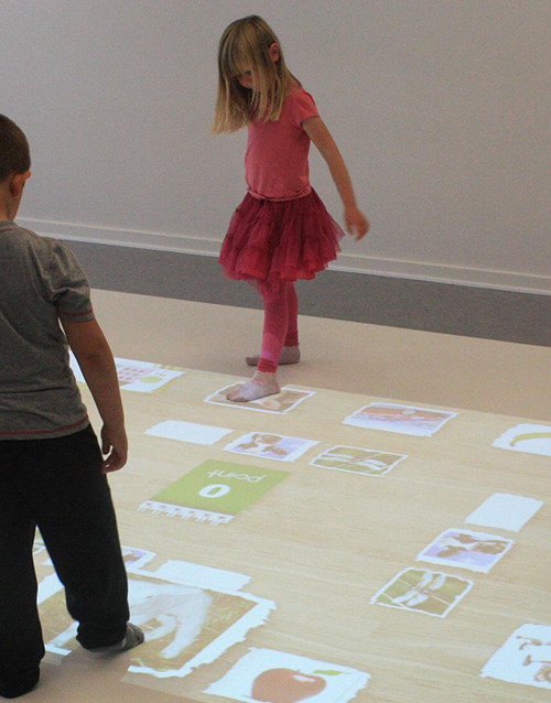 Interactive projections wall floor windos 10