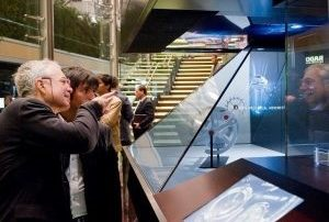 Holographic-projector-Marketing