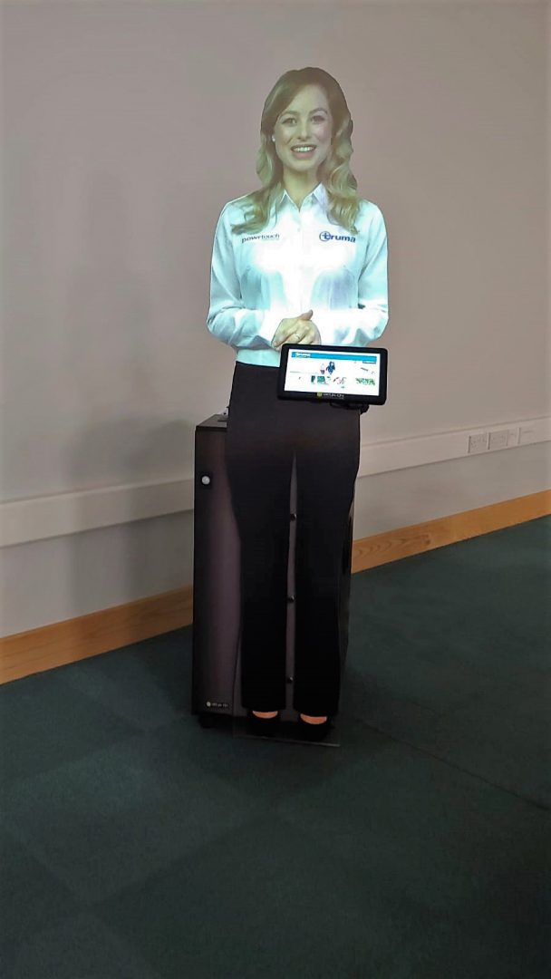 Interactive Virtual Mannequin Presenter 1