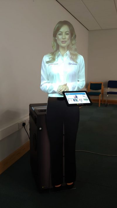 Interactive Virtual Mannequin Presenter 4