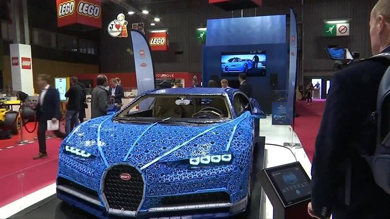 Lego, Bugatti Chiron in Paris Motor Show 1