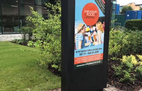 Outdoor-Freestanding-Digital-Posters-Business-shop