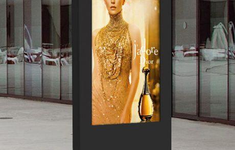 Outdoor-Freestanding-Digital-Posters-Images-concept-shop